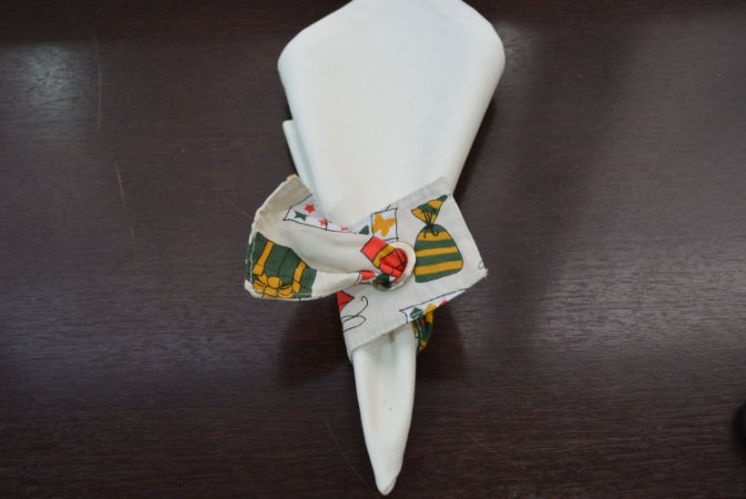 porta guadanapo de tecido fundo banco com desenho presentes de natal