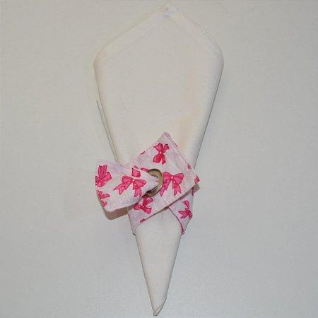 Porta guardanapo de tecido fundo rosa bem clarinho com laços rosa escuro