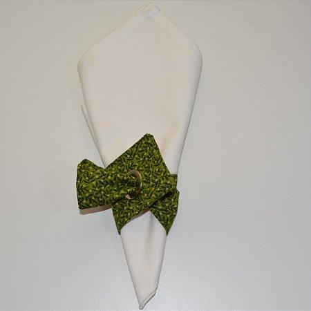 Porta guardanapo de tecido fundo com galhos verdes