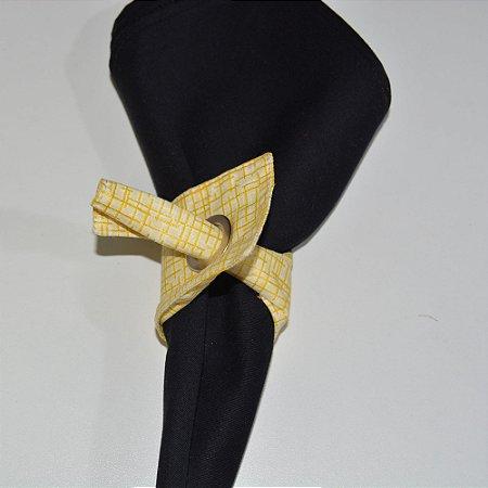 Porta guardanapo de tecido amarelo clarinho riscadinho