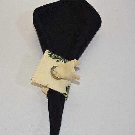 Porta guardanapo de tecido fundo amarelo clarinho com abacaxis