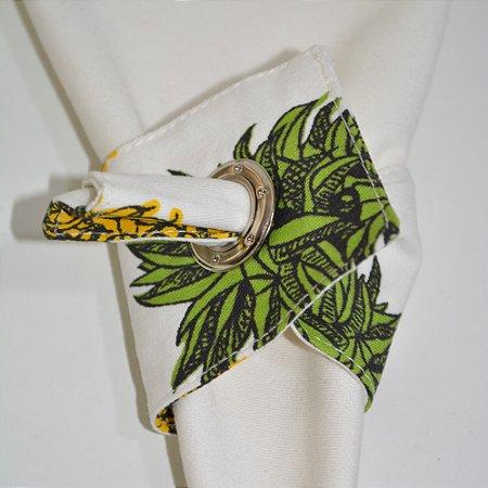 Porta guardanapo de tecido fundo branco com abacaxis