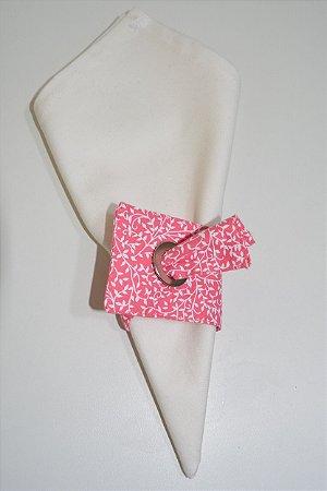 Porta Guardanapo de tecido fundo rose com arabesco branco