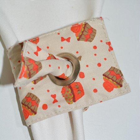 Porta Guardanapo de tecido fundo bege com bolinhos laranjas