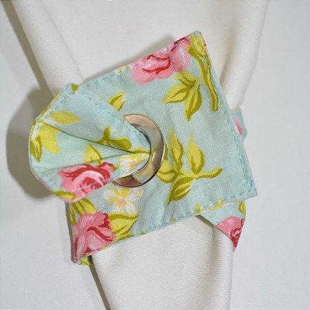 Porta guardanapo de tecido fundo verde clarinho com rosas