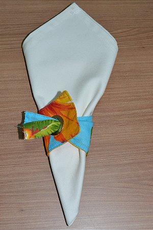 Porta guardanapo de tecido fundo azul com flores laranjas