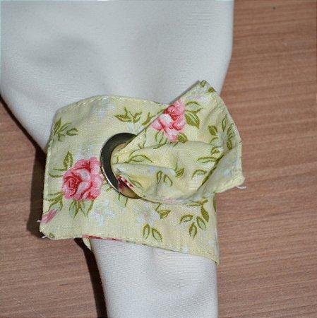 Porta guardanapo de tecido fundo amarelinho com Rosas