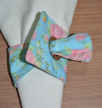Porta guardanapo de tecido fundo azul com rosas clarinhas