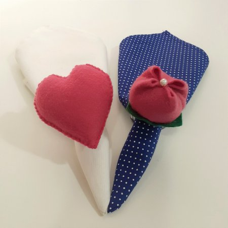 Kit 2 Porta guardanapos Feltro flor e coração rosa