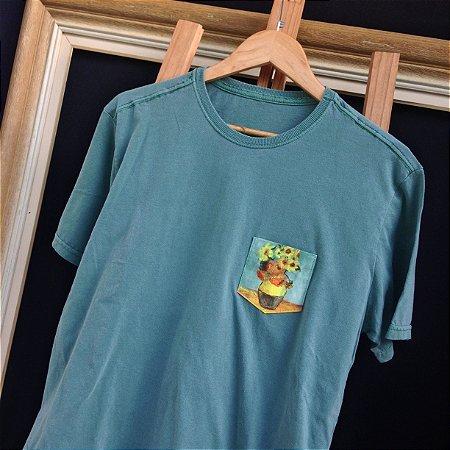 Camiseta Os Girassóis - Bolso pintado a mão