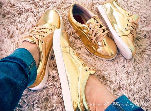 Tênis Dourado Metalizado