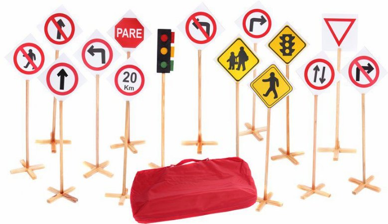 Conjunto Educação no Trânsito - Bolsa com 14 placas + semáforo