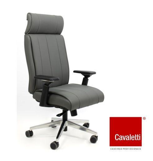 Cadeira Presidente Giratória Essence Syncron Braços 4D Base aluminio - Cavaletti 20501
