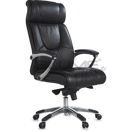 Cadeira presidente para escritórios de alto padrão, com encosto e assento em couro natural na parte frontal e laterais e costas em courino.