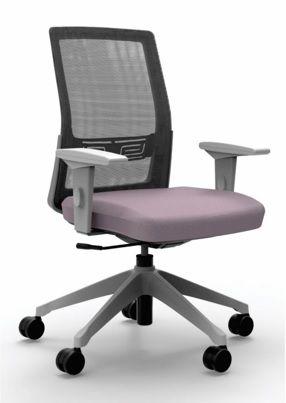 Cadeira Giratória 17101 Syncron, Moov Enc. Tela Grafite, Aranha UP Cinza, Rod. 65 Nylon, Braço SL Cinza, Inj. Cavaletti