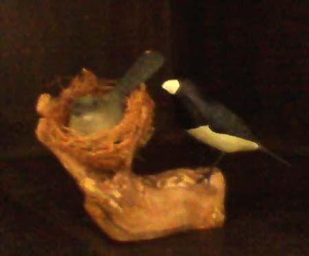 Miniatura madeira casal de baiano no ninho