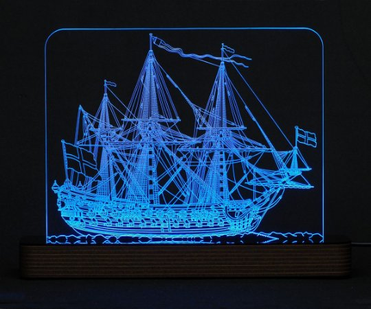 Luminária Acrílico e Led Navio Mary Rose