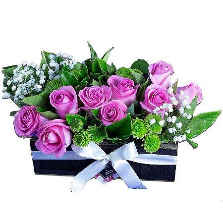 Jardineira de Madeira com Rosas Nacionais