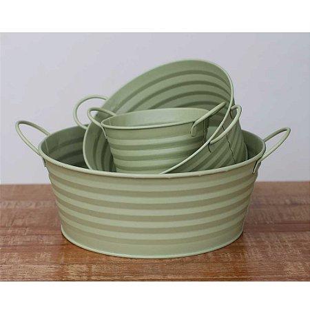 Trio de baldes de metal verde