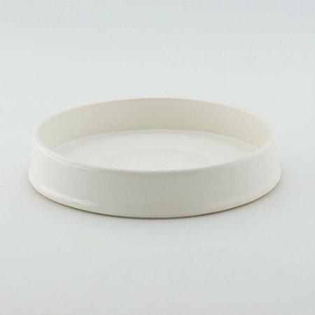 Bandeja redonda de louça branca
