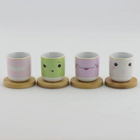 Conjunto de xícaras com pires de madeira