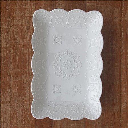 Prato de louça retangular rendado branco