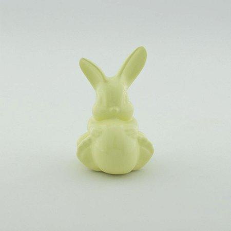 Coelho Abraçado com Ovo de Páscoa - Amarelo Candy