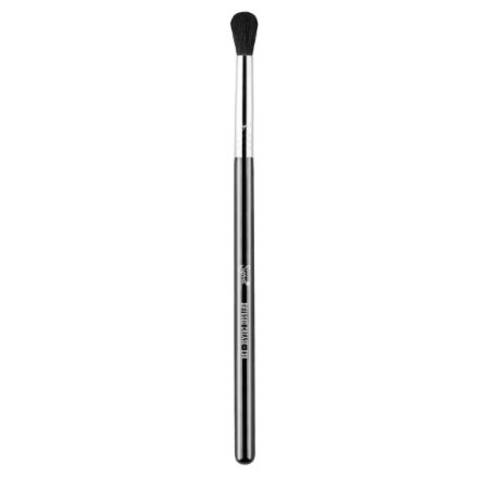 E38 - Diffused Crease Brush