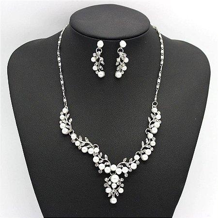Conjunto semi jóias  colar de Perolas