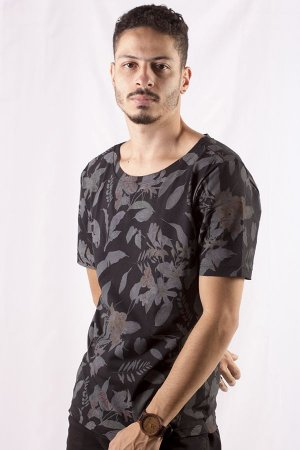 CAMISETA MASCULINA FLORAL COLOR BLOOMY