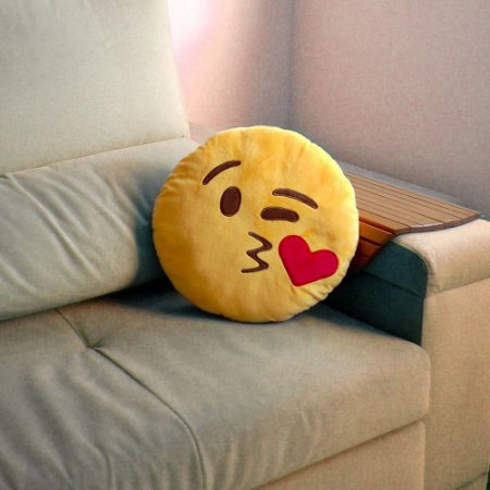 Almofada Pelucia Emoji Beijo