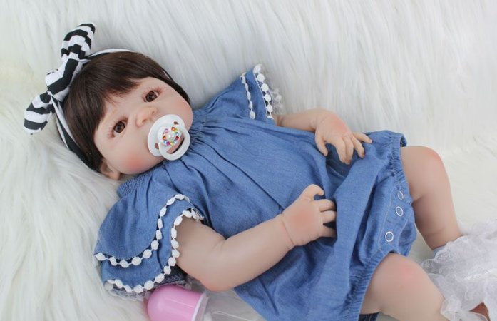 Bebe Reborn Barbara Look Fashion Inteira em Silicone - Pronta Entrega