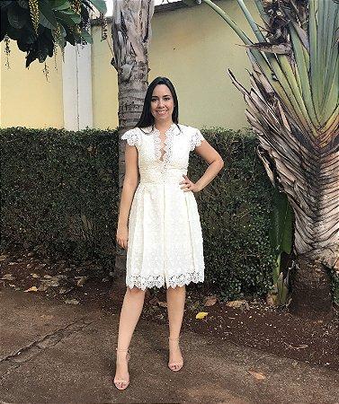 Vestido Sophia Off White com Flores Bordadas