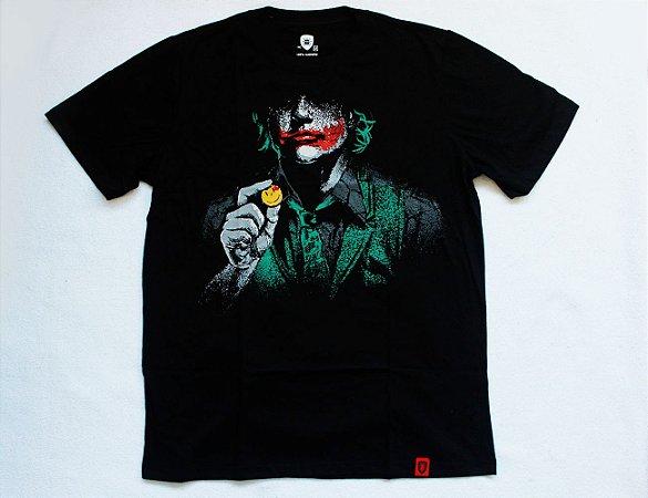 Camiseta com Estampa Coringa - Why So Serious?