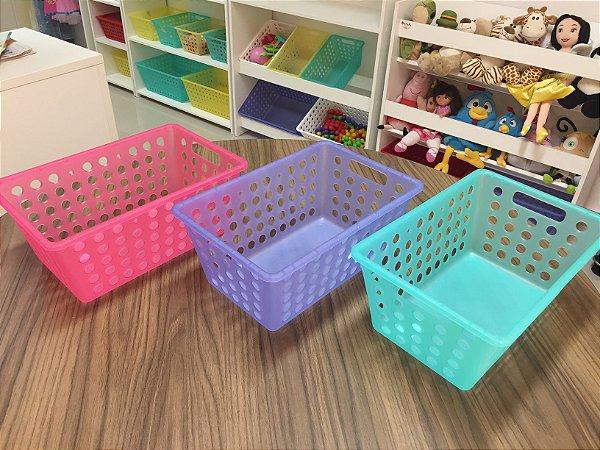 Três (3) caixas organizadoras pequenas