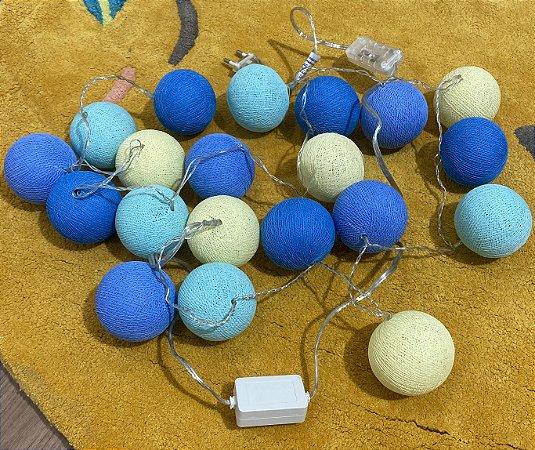 Fio de luz LED com 20 bolas - colorido com azul