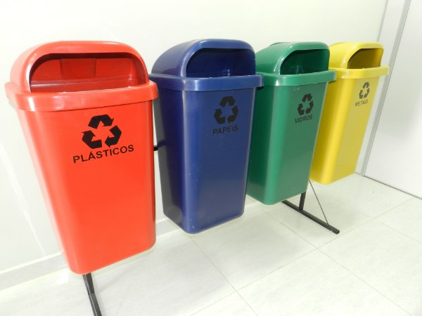 Conjunto de coleta Seletiva 4 Cestos Plasticos 50 litros - Cód. L359