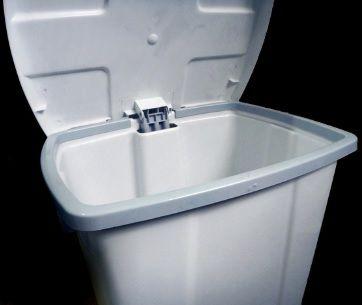 Lixeira plástica com Pedal 30 litros - Branco