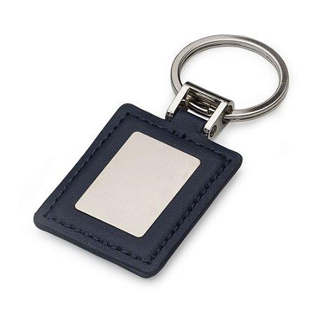 Chaveiro quadrado  couro sintético com chapa de metal fosca no centro. Código SK 12014