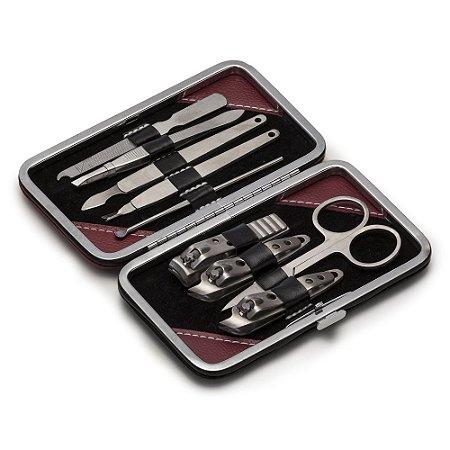 Kit manicure 9 peças em estojo de couro sintético com um detalhe em M. Código SK 12921