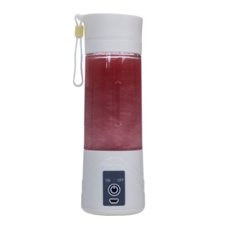 Mini liquidificador de plástico resistente com hélice de aço. Código SK 13478