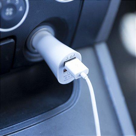 Carregador veicular USB 12V, possui 2 entradas USB. Cód. SK12356