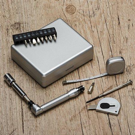 Kit ferramenta 21 peças com caixa de plástico resistente. Cód. SK10104