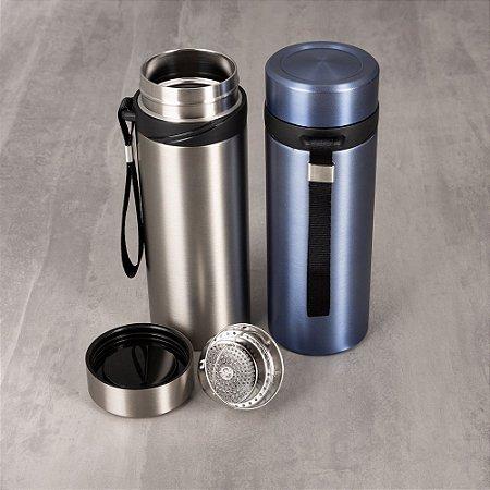 Garrafa Térmica 590 ml em Inox com infusor com encaixe de pressão e alça para remoção.  SK103010
