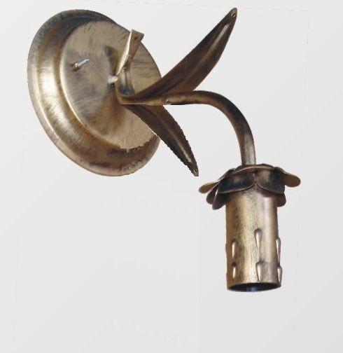 Arandela de ferro colonial ouro velho 1 lampada