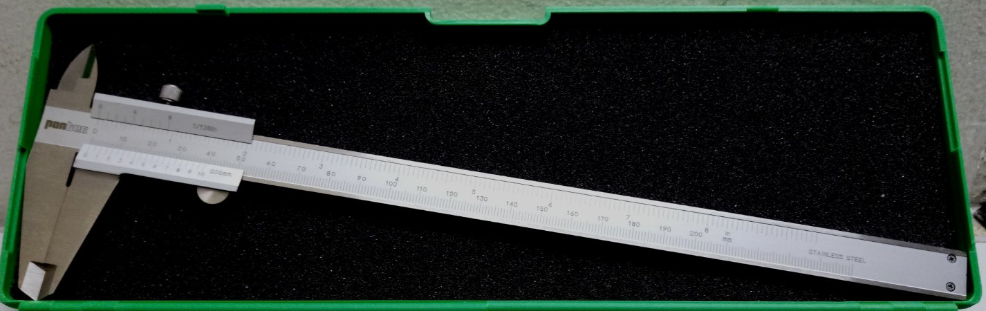 Paquímetro Universal 0-200mm 0,05mm Pantec 11205-200-5