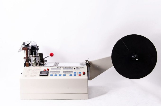 Máquina para Cortar Fitas e Tiras Automática