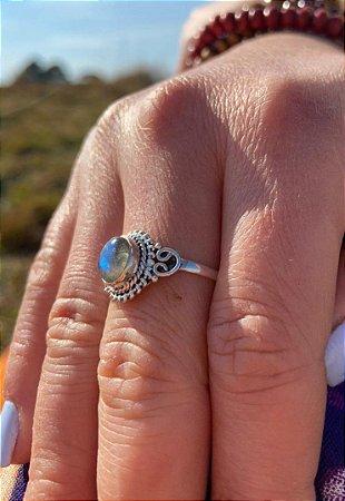 Anel feminino de Prata 925 Indiano e Labradorita