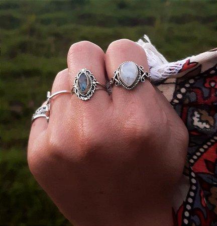 Anel em Prata 925  com Gema Natural Pedra da Lua (FEITO A MÃO)