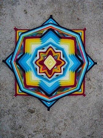 Mandala em formato flor (30 cm)